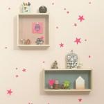 Decorar habitación infantil con cubos en la pared