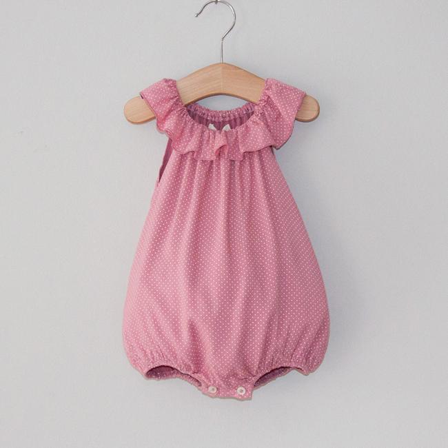 little-unicorn-ropa-infantil-bossa-kids-peto-ranita-tirantes-estampado-rosa-lunares-potitos-dots-primavera-verano-navy-blossom-blusa